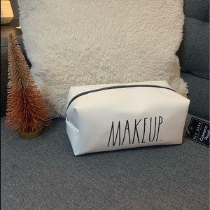 ⭐️HOST PICK⭐️ makeup bag 💼